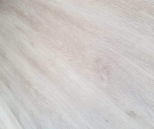 Floor & More
